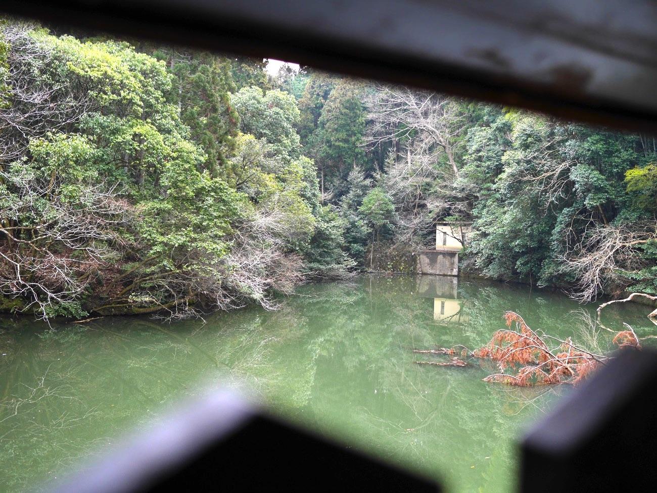 谺ヶ池が近くで見られる