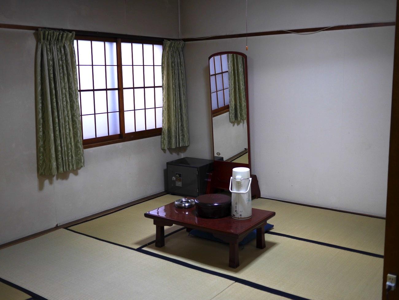 参集殿の客室